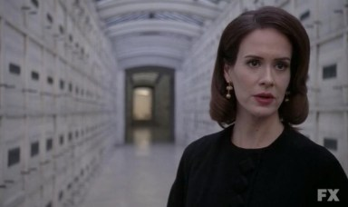 Lana Winters (Sarah Paulson) says goodbye to Wendy (Clea DuVall) in episode 11 of FX's American Horror Story: Asylum