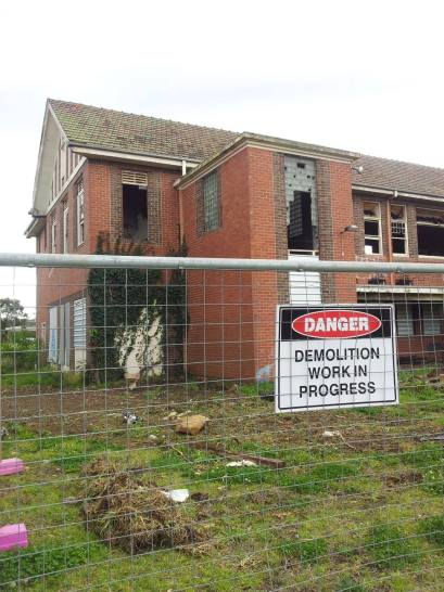 Restoration work begins on Larundel's S2 & S3 buildings (16/09/2013)