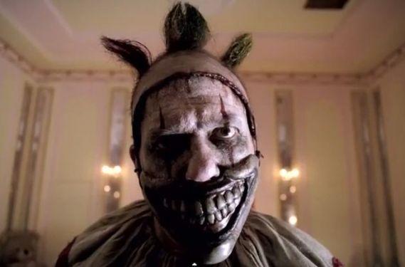 AHS Freak Show Season 4 Episode 1 Killer Clown