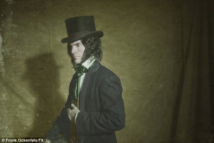 Wes Bentley stars as Edward Mordrake in AHS Freak Show