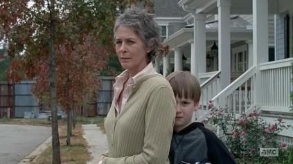 TWD S05E15 Carol protects Jessie's son