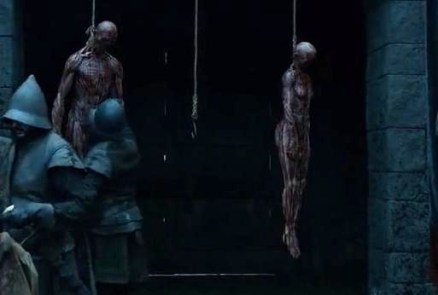 Game of Thrones Season 5 Episode 3 (entitled High Sparrow) Skinned bodies at Winterfell