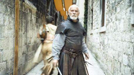 Meereen comes under fire from the Sons of Harpys in Episode 4, Season 5 of HBO's Game of Thrones