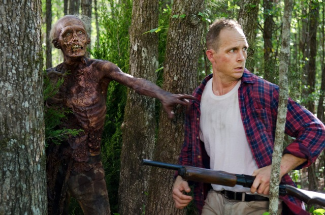 Ethan Embry as Carter - The Walking Dead _ Season 6, Episode 1