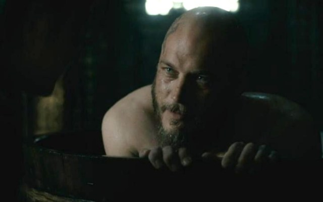 Vikings Season 4 Episode 4 Ragnar Lothbrok in the bath