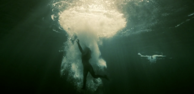 "Alicia (Alycia Debnam-Carey) in the water in Episode 5 (entitled ""Captive"") of AMC's Fear The Walking Dead Season 2"